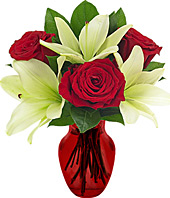 Flowers for delivery with red roses and white lilies
